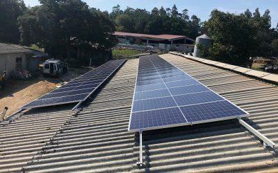 Fotovoltaica en granja de Carballo (La Coruña)